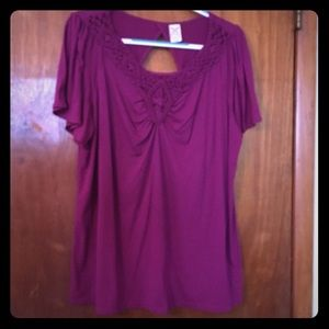 Plus size tunic top with back cut out detail front